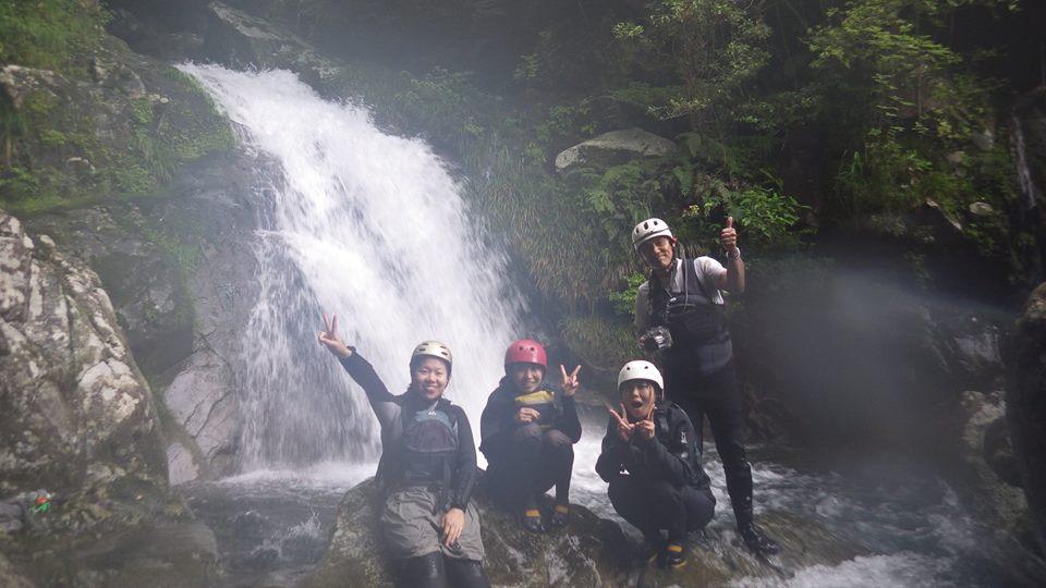 自然いっぱいな牟岐町での田舎アクティビティ体験【シャワークライミング編】