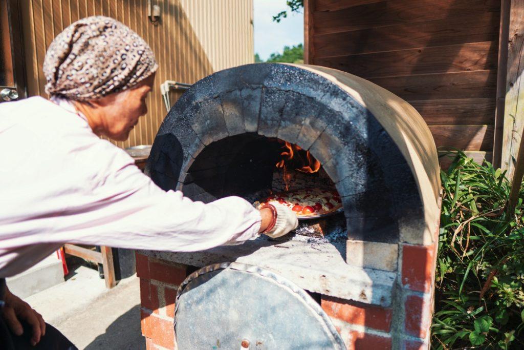 自作ピザ窯と牟岐へんろ宿「南天」オーナー 木内ミユキさん